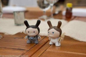 bride & groom figurines